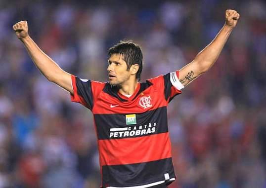 Depois do tri, o capitão Fábio Luciano aposentou as chuteiras